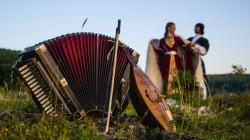 Fransızlar Çerkes müziği için Adıgey'de