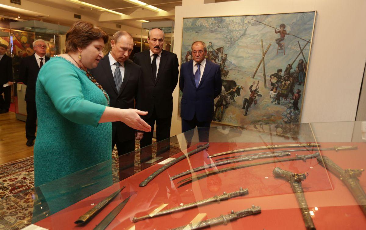 Putin v Muzee(1)