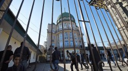 Dağıstan'da camiye polis ablukası