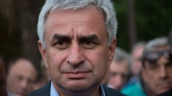 Abhazya'da muhalefet erken seçim istiyor