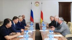 Leonid Tibilov Rusyalı işadamları ile görüştü