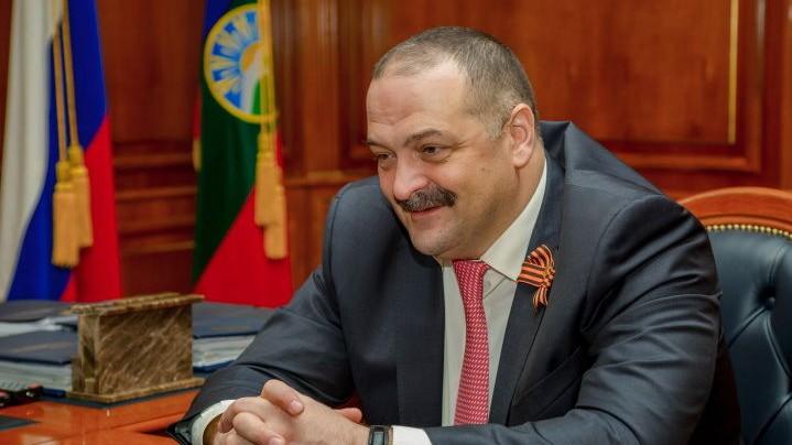 V-KCHR-sostoyalas-dvustoronnyaya-vstrecha-Polpreda-Prezidenta-RF-v-SKFO-s-Glavoj-Karachaevo-CHerkesii-temrezov-melikov-ao