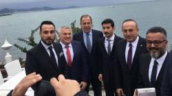 Türk ve Rus vatandaşlardan Bakan Lavrov'a pankartlı mesaj