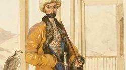 Kafkas halkları kostümlerini içeren litografi albümü Maykop'a teslim edildi
