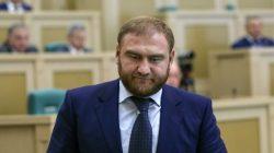 Kabardey politikacı Araşukov parlamentoda tutuklandı