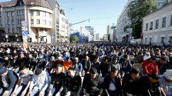 Rusya'da milyonlarca Müslüman camilere sığmadı