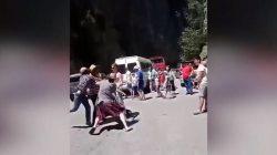 Abhazya'da etekli erkek turist krize sebep oldu