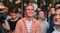 Rusya'da yolsuzluk haberi yaptığı için tutuklanan gazeteci serbest bırakıldı