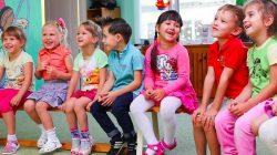 Rusya'da çocuklar kameralarla denetlenecek