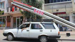 Aracına monte ettiği S-400 maketiyle şehir turu attı