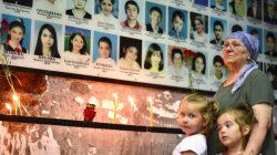 Beslan'daki okul baskınının 15. yılında ölenler anılıyor
