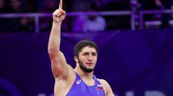 Dağıstanlı ve Osetyalı güreşçilerden altın madalya