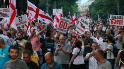 """Gürcistan'da muhalefetten """"geçici hükümet ve erken seçim"""" çağrısı"""