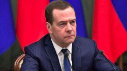 Rusya Başbakanı Medvedev hükümetin istifa ettiğini açıkladı