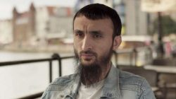 Çeçen blogger Polonya'da suikast girişiminden kurtuldu