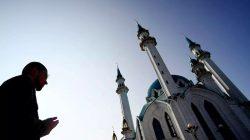 Rusya'da bayram namazı kısıtlı sayıda cemaatle kılındı