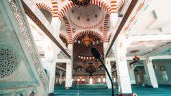 Dağıstan'ın başkenti Mahaçkale'nin simgesi: Cuma Cami