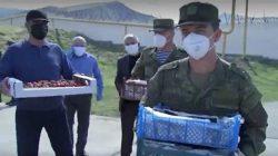 Dağıstanlı vatandaşlardan doktorlara gıda yardımı